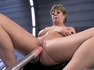 Anal insane slut Darling is testing new sex machine