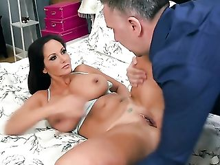 Keiran Lee gets pleasure from fucking delicious Ava Addamss mouth before she takes it in her back swing