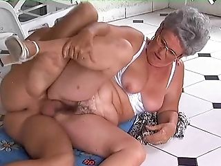 Short hair Carla yelling while pounded hardcore in mature shoot