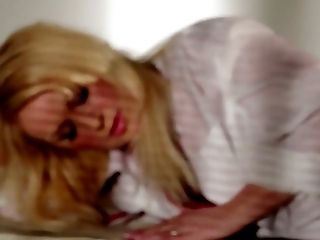 Provocative mommy Beverly Lynne in fantastic solo play