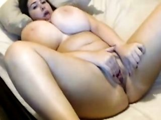 Super hot masturbation of super chick with heavy huge boobs