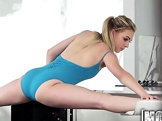 Mofos - Ballerina Gives Epic Blow Job