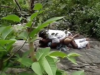 South Indian desi randi fucking in jungle