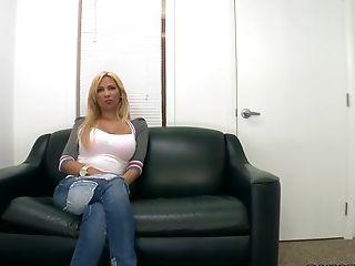Horny stripper Paris' hardcore porn video