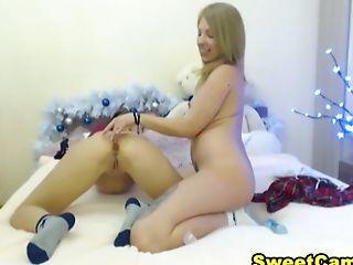 Chick And Lesbian Gf Play With Each Other Pussies