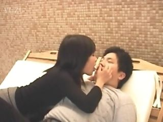 Sayuri Marui and dame suck and fuck same cock in wild threesome