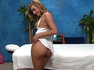 Massage Therapist Goes the Erotic Way to Fuck & Suck