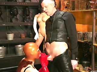 Whore in latex mask Violet Monroe is face fucked by one kinky dude