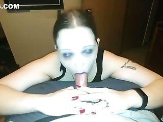 Good goth girl sucks dick