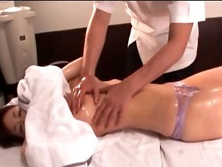 My pussy gets so confused by professional massages